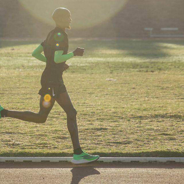 Best-Carbon-Running-Shoes-Gear-Patrol-Lead-Full