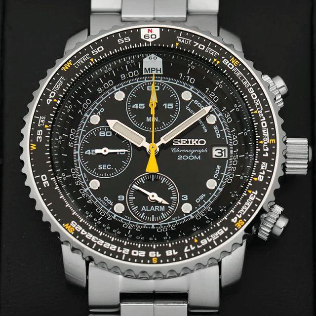 Seiko-SNA-Flight-Alarm-Chronograph-gear-patrol-full-lead