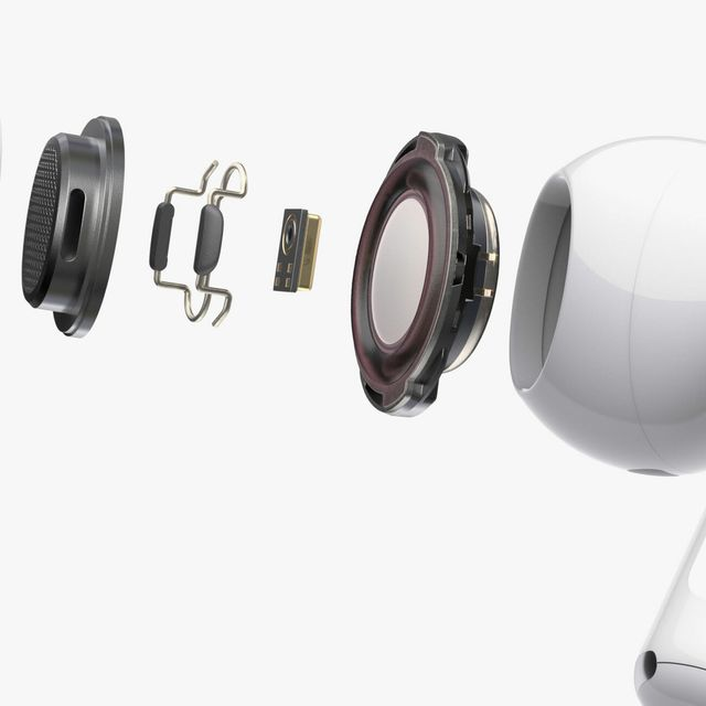 Apple-Headphones-Gear-patrol-Lead-Full