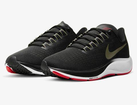 Best-New-Athletic-Gear-of-Mai-2020-gear-patrol-Nike-Air-Zoom-Pegasus-37