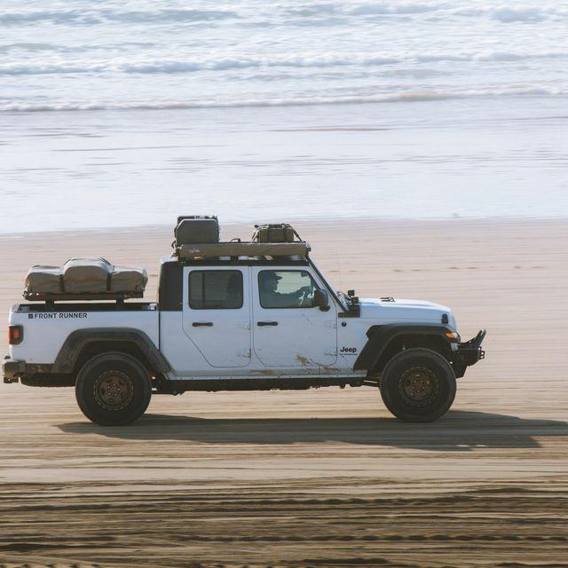 Jeep-Gladiator-JT-Extreme-Roof-Rack-Gear-Patrol-lead-Full