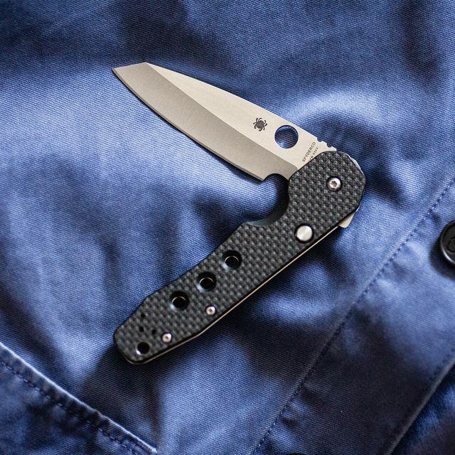 Use-Knife-as-Coat-Hook-gear-patrol-lead-full