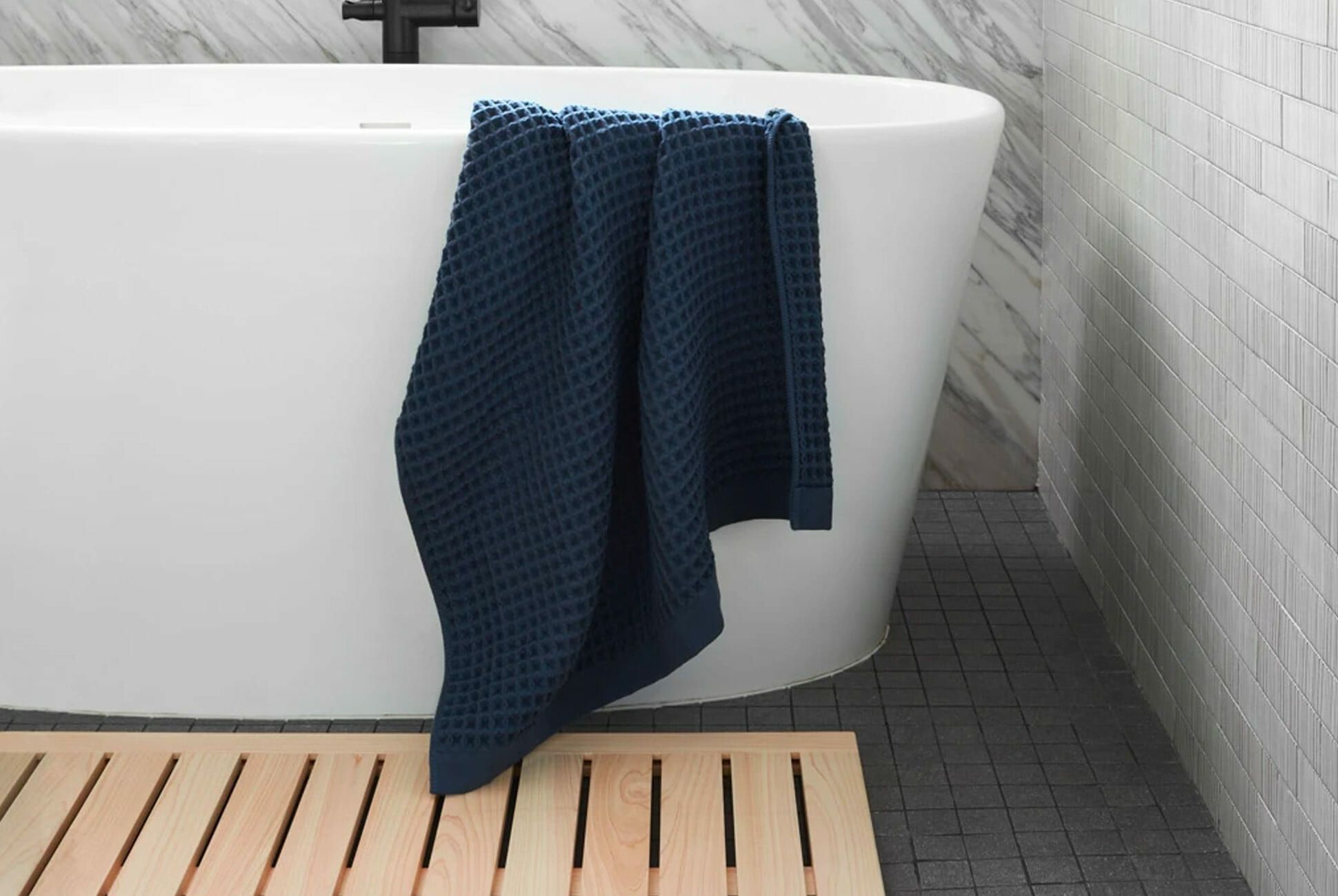 Please Stop Buying Cloth Bath Mats They Re Gross And Weird