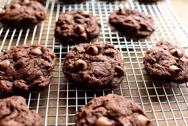 Finger food, Food, Biscuit, Cookies and crackers, Cookie, Baked goods, Dessert, Ingredient, Cooking, Recipe,