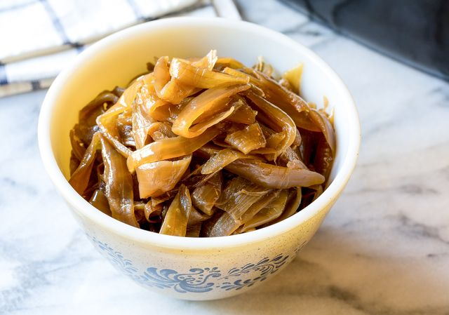 How to Make Slow Cooker Caramelized Onions