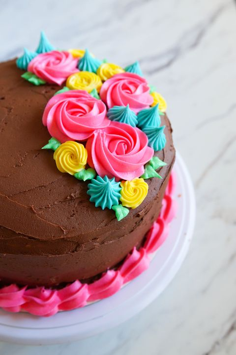 Cake Decorating Tips And Tricks For Beginners  from hips.hearstapps.com