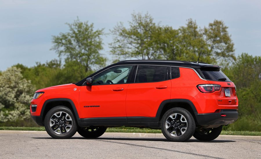 2017 jeep compass interior review car and driver. Black Bedroom Furniture Sets. Home Design Ideas