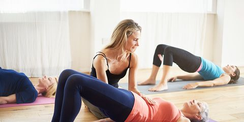 Arm, Shoulder, Physical fitness, Exercise, Sportswear, Joint, Wrist, yoga pant, Active pants, Human leg,