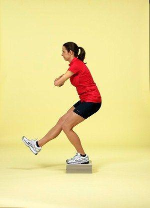 Finger, Human leg, Shoulder, Elbow, Shoe, Standing, Sportswear, Joint, Wrist, Knee,
