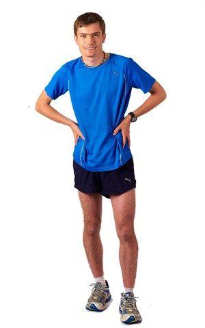 Leg, Sleeve, Human leg, Shoulder, Shirt, Standing, Joint, Elbow, White, Sportswear,