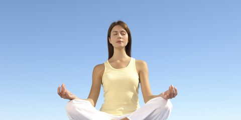 Comfort, Elbow, Sitting, Wrist, Knee, Barefoot, Physical fitness, Exercise, Abdomen, Yoga,