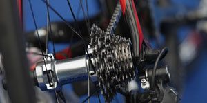 Mode of transport, Bicycle wheel rim, Bicycle part, Bicycle tire, Blue, Spoke, Rim, Bicycle accessory, Bicycle, Bicycle drivetrain part,