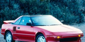 The 1987 Toyota MR2 featured flip-up headlights and a 115-hp four.