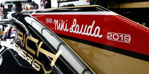Formula 1 teams paid tribute to Niki Laudalast Sunday in Monaco.