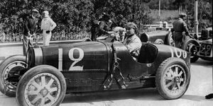 W Williams was a racer whose real name was William Grover.