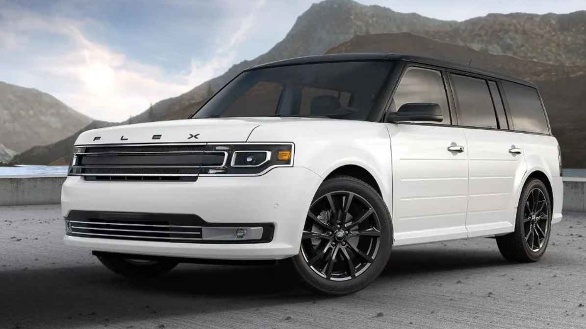 Ford Flex dead after 3 years in production: Ford kills off seven