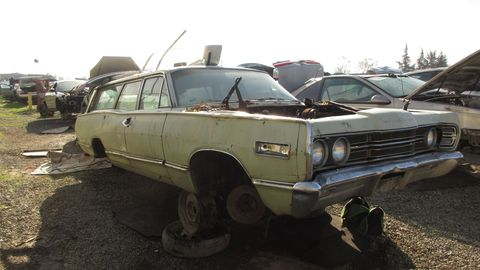 The Mercury sibling of the Ford Country Squire, spotted in a Silicon Valley self-service wrecking yard.