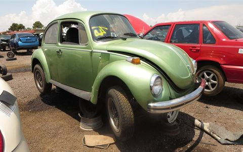 Not many rust-free Super Beetles left, but this one is getting crushed. Arizonans are spoiled.