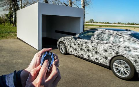 The new 2016 BMW 7-series luxury sedan will get a new generation of iDrive along with autonomous parking and a smart key fob.