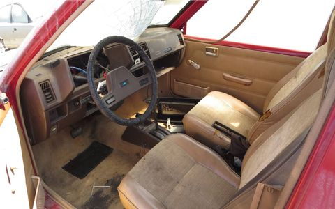 Your standard zero-frills Japanese-econobox interior from the middle 1980s.