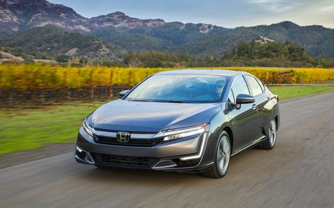 The Honda Clarity plug-in hybrid electric vehicle (PHEV) completes the triumvirate of Honda alternative energy all in one car. Honda now has electric, hydrogen and hybrid versions of the Clarity and is therefore ready for whatever the future demands.