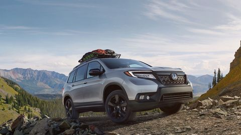 Vehicle, Car, Sport utility vehicle, Off-roading, Compact sport utility vehicle, Automotive design, Mini SUV, Crossover suv, Off-road vehicle, Automotive tire,