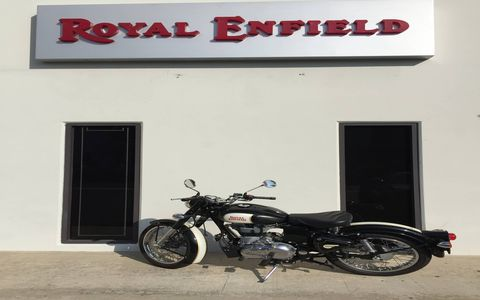 The Classic is powered by a 500-cc upright single cylinder with fuel injection good for 27 hp.