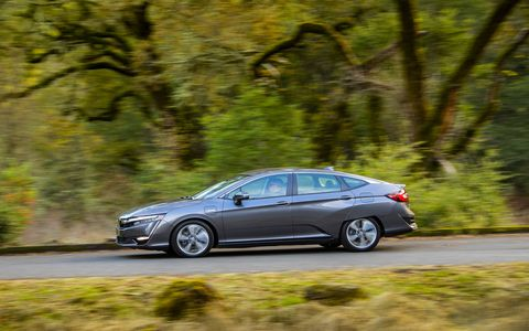 The Honda Clarity Plug-In Hybrid Electric Vehicle (PHEV) completes the triumvirate of Honda alternative energy all in one car. Honda now has electric, hydrogen and hybrid versions of the Clarity, and is therefore ready for whatever the future demands.