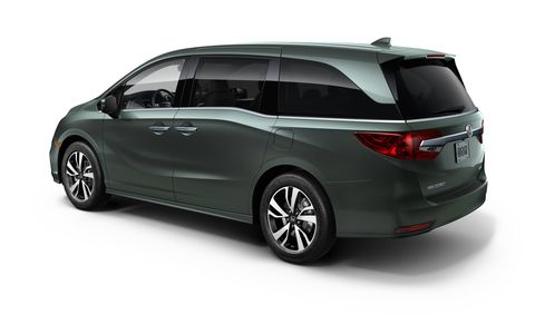 Honda Magic Slide second-row seats allow for easy configuration while allowing the best access to the third-row seats.