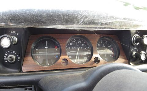 A beautifully simple instrument cluster.