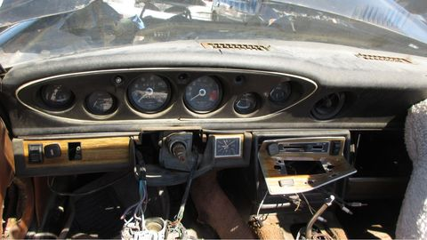 It wouldn't be a 1970s British sports car without the full complement of Smiths gauges.