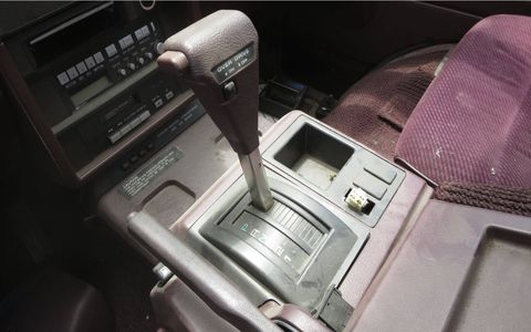 Most of the Japanese-market Nissan Vanettes had manual transmissions, but American minivan buyers preferred automatics.