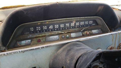 """Volvo stuck with the """"thermometer"""" style of speedometer even after the Amazon was replaced by the 140."""