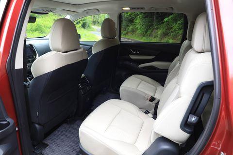 Land vehicle, Vehicle, Car, Motor vehicle, Mode of transport, Car seat, Car seat cover, Automotive exterior, Minivan, Family car,