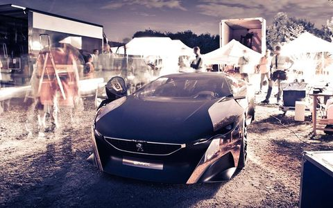 The Peugeot Onyx is striking in a variety of lighting.