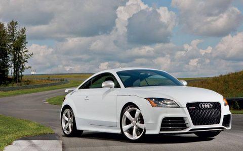 Tire, Automotive mirror, Wheel, Automotive design, Mode of transport, Road, Vehicle, Transport, Infrastructure, Rim,