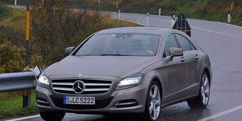 Mode of transport, Automotive design, Vehicle, Land vehicle, Car, Mercedes-benz, Grille, Rim, Personal luxury car, Alloy wheel,