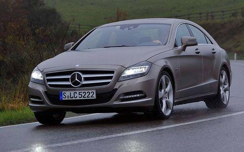Mode of transport, Automotive design, Vehicle, Mercedes-benz, Car, Personal luxury car, Grille, Luxury vehicle, Alloy wheel, Rim,