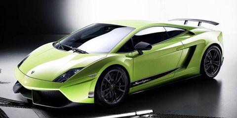Lamborghini cut 154 pounds from the Gallardo LP 560-4 with extensive use of carbon fiber to create the Superleggera.