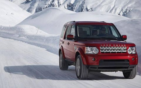 The drivetrain for the 2013 Land Rover LR4 HSE features a 5.0-liter V8, 4WD, six-speed automatic.