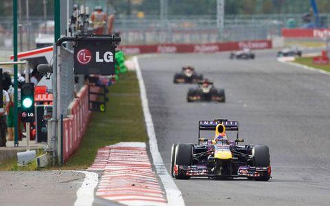 Sebastian Vettel has Kimi Räikkönen in his rear-view mirror in Korea.