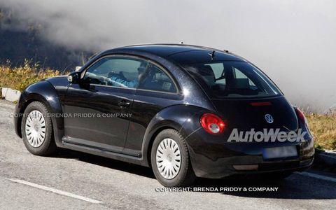 Tire, Motor vehicle, Wheel, Mode of transport, Automotive design, Automotive tire, Vehicle, Transport, Land vehicle, Rim,