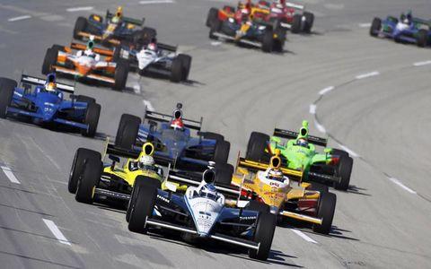 The Izod IndyCar Series field speeds around Kentucky Speedway in Sparta, Ky., on Oct. 2. Photo by: Phillip Abbott/LAT Photographic