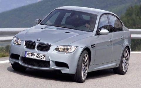 Tire, Automotive tire, Automotive design, Vehicle, Alloy wheel, Hood, Land vehicle, Rim, Car, Grille,