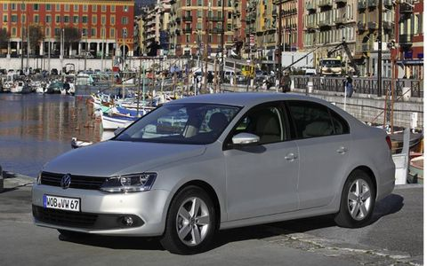 Fuel economy for the 2014 Jetta is an estimated 30 mpg in the city and 42 mpg on the highway.