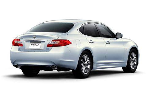 Tire, Wheel, Mode of transport, Automotive design, Vehicle, Automotive lighting, Window, Automotive tire, Rim, Glass,