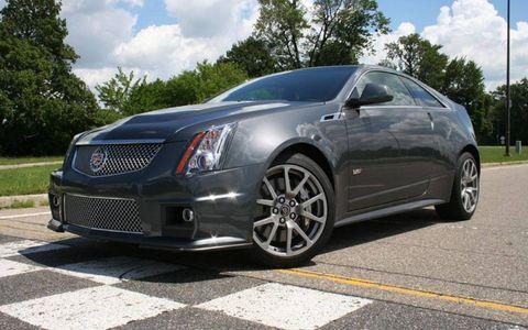 Wheel, Automotive design, Vehicle, Land vehicle, Transport, Car, Rim, Fender, Alloy wheel, Luxury vehicle,