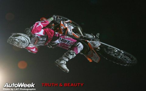 Motocross, Darkness, Motorcycle, Extreme sport, Motorcycle racing, Stunt performer, Stunt, Motorcycling, Motorcycle racer, Freestyle motocross,