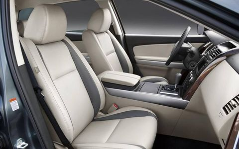 The front seats in the 2012 Mazda CX-9 Grand Touring.