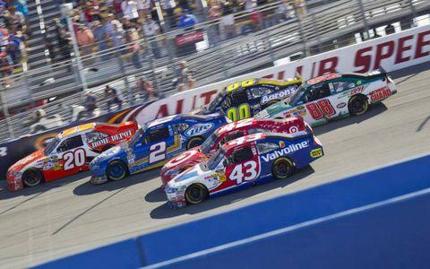 Race track, Vehicle, Motorsport, Car, Racing, Race car, Auto racing, Touring car racing, Sports car racing, Logo,